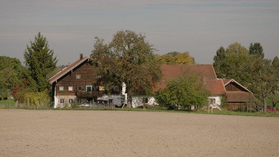Ländlicher geht es nicht: Der historische Einödhof.