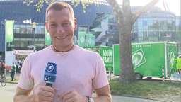 BR-Sportreporter Markus Othmer vor dem Weserstadion | Bild:BR Fernsehen