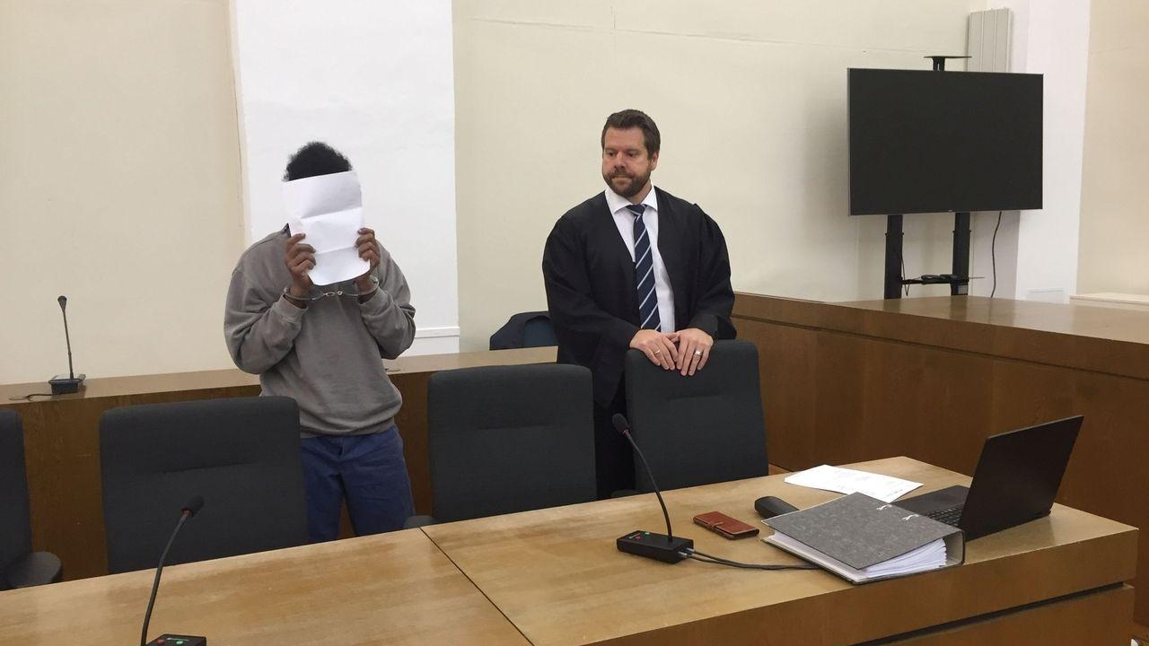 Vor dem Landgericht Passau hat am Vormittag der Prozess gegen einen 26-jährigen Mann begonnen. Die Anklage lautet auf versuchten Mord.