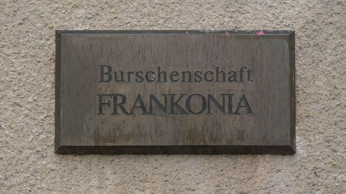 Schild am Haus der Burschenschaft Frankonia