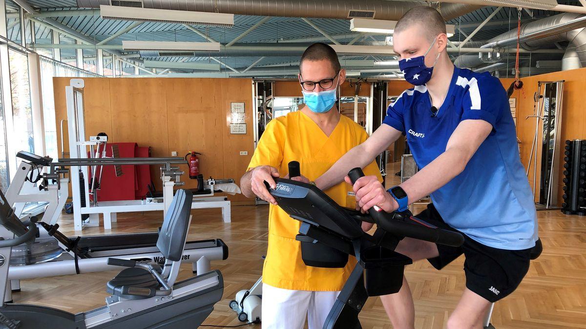 Jonah beim Trainieren am Regensburger Uniklinikum