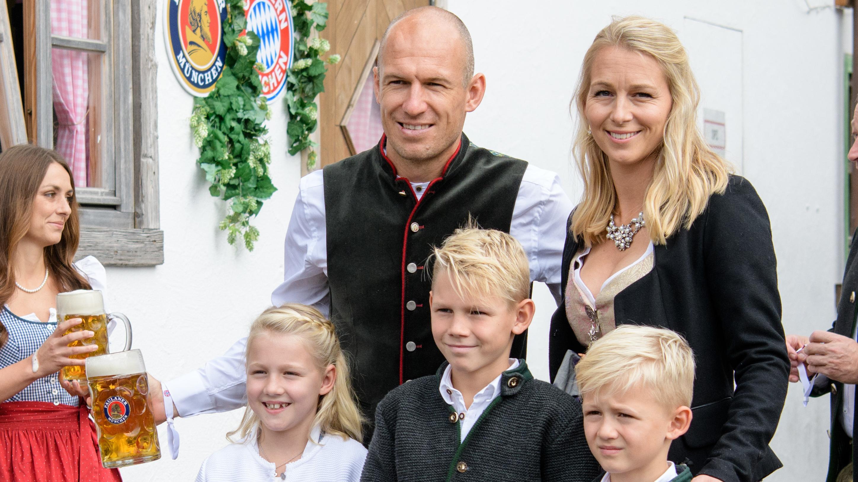 Arjen Robben kam mit der ganzen Familie