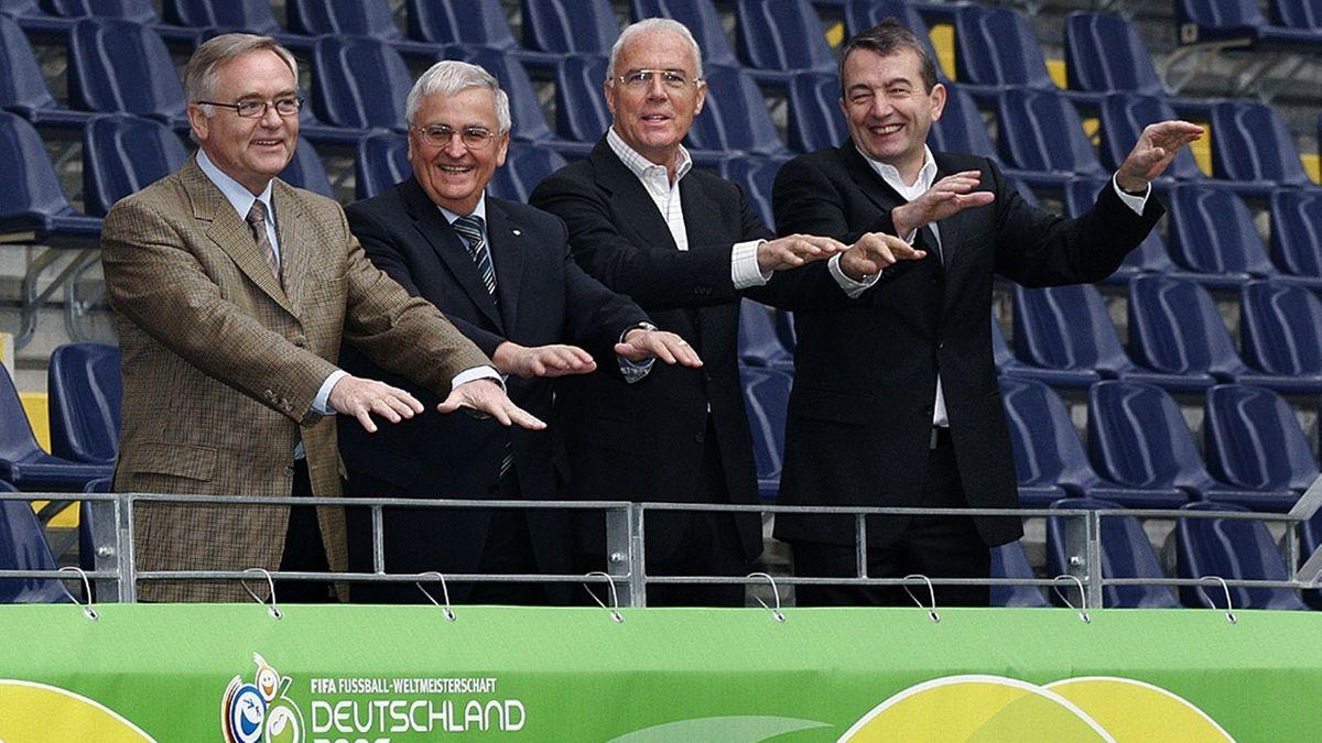 Das Präsidium des Organisationskomitees für die Fußball-Weltmeisterschaft 2006 in Deutschland