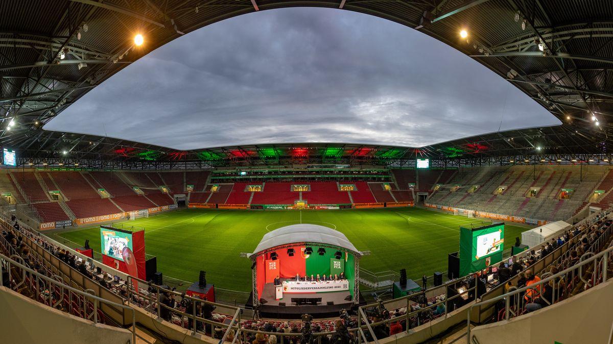 Jahreshauptversammlung im Augsburger Fußballstadion