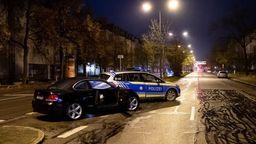 Das Auto des mutmaßlichen Rasers, der nun in Haft sitzt.  | Bild:dpa-Bildfunk/Sven Hoppe