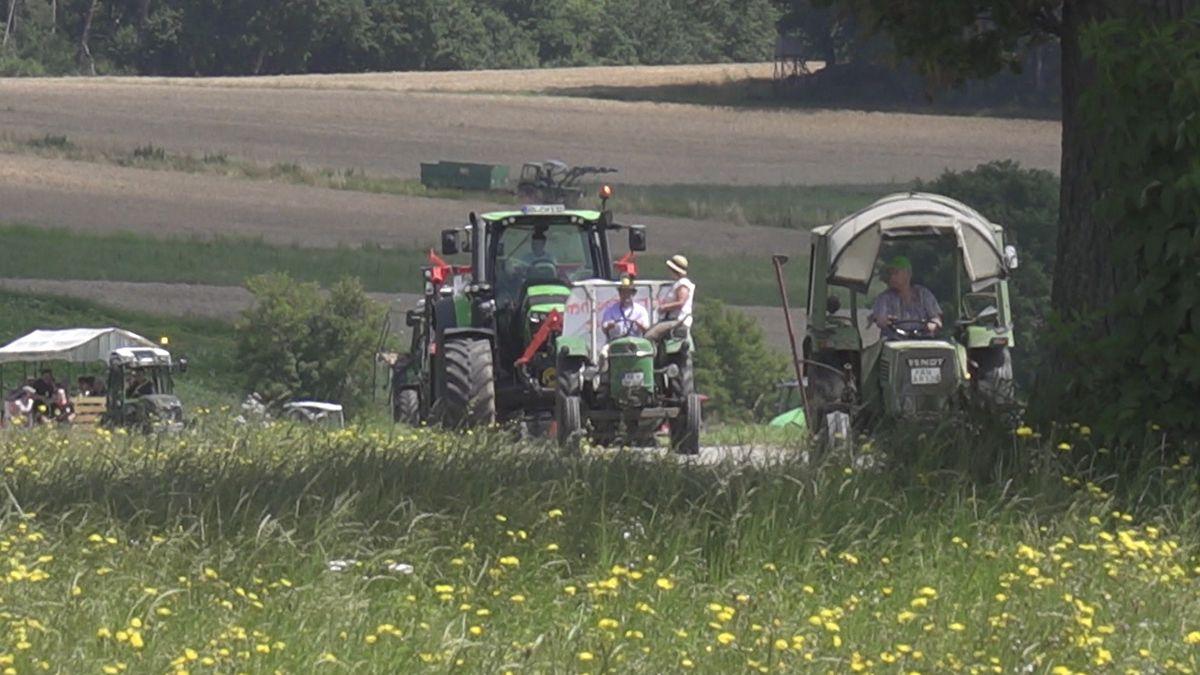Traktorendemo in Müncherlbach (Lkr. Ansbach)