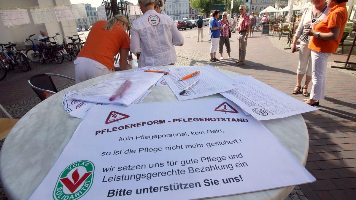 Demo von Pflegekräften (Archivbild)