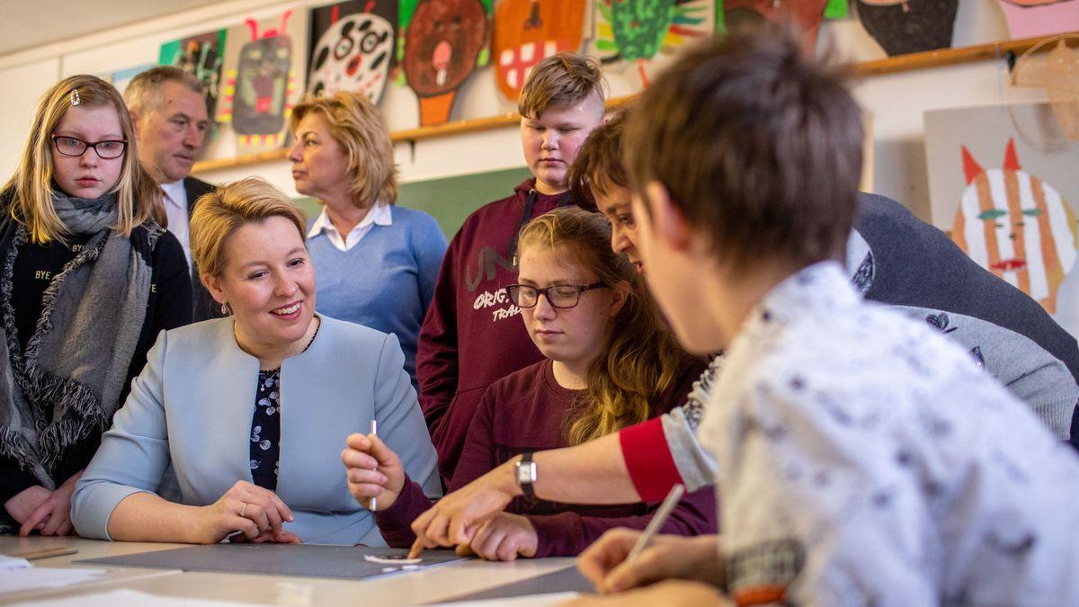 Franziska Giffey will den Jugendschutz reformieren. Viele Experten finden den aktuellen Entwurf nicht gut.