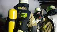 Die Feuerwehren Erbendorf, Krummennaab und Thumsenreuth waren mit insgesamt 50 Einsatzkräften vor Ort.  | Bild:News5