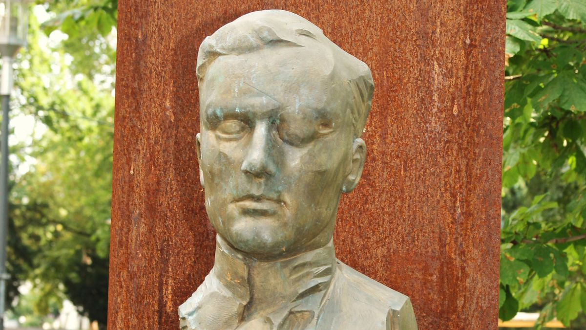Denkmal für Graf von Stauffenberg in Bamberg.