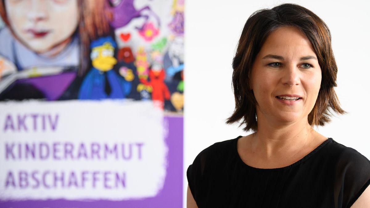 Annalena Baerbock bei der AWO in Potsdam