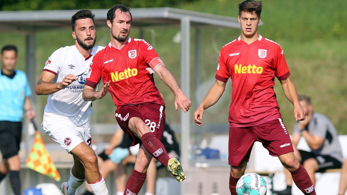 Testspiel des SSV Jahn Regensburg gegen den 1. FC Nürnberg