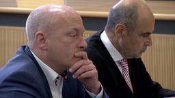 Der angeklagte, suspendierte Regensburger OB Wolbergs neben seinem Anwalt | Bild:BR