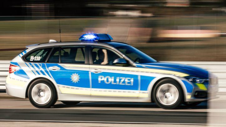 Polizeiauto mit Blaulicht (Symbolbild)