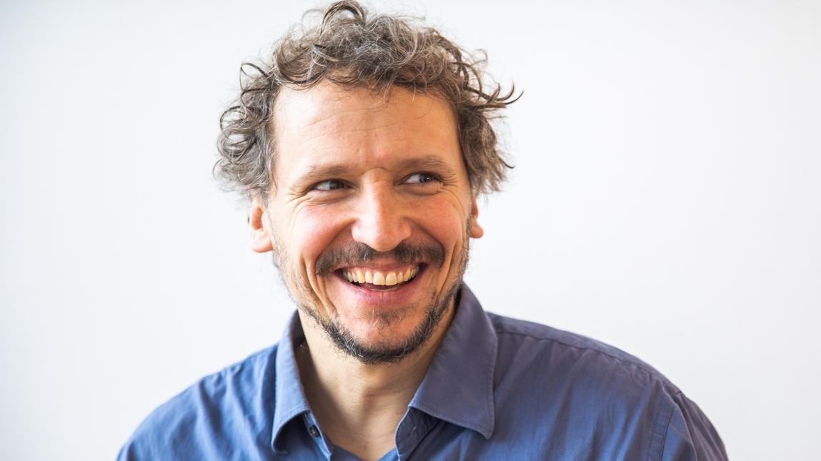 """Regisseur Marcus H. Rosenmüller inszeniert u.a. die BR-Koproduktion """"Dreiviertelblut"""". Kinostart ist im Herbst 2019."""