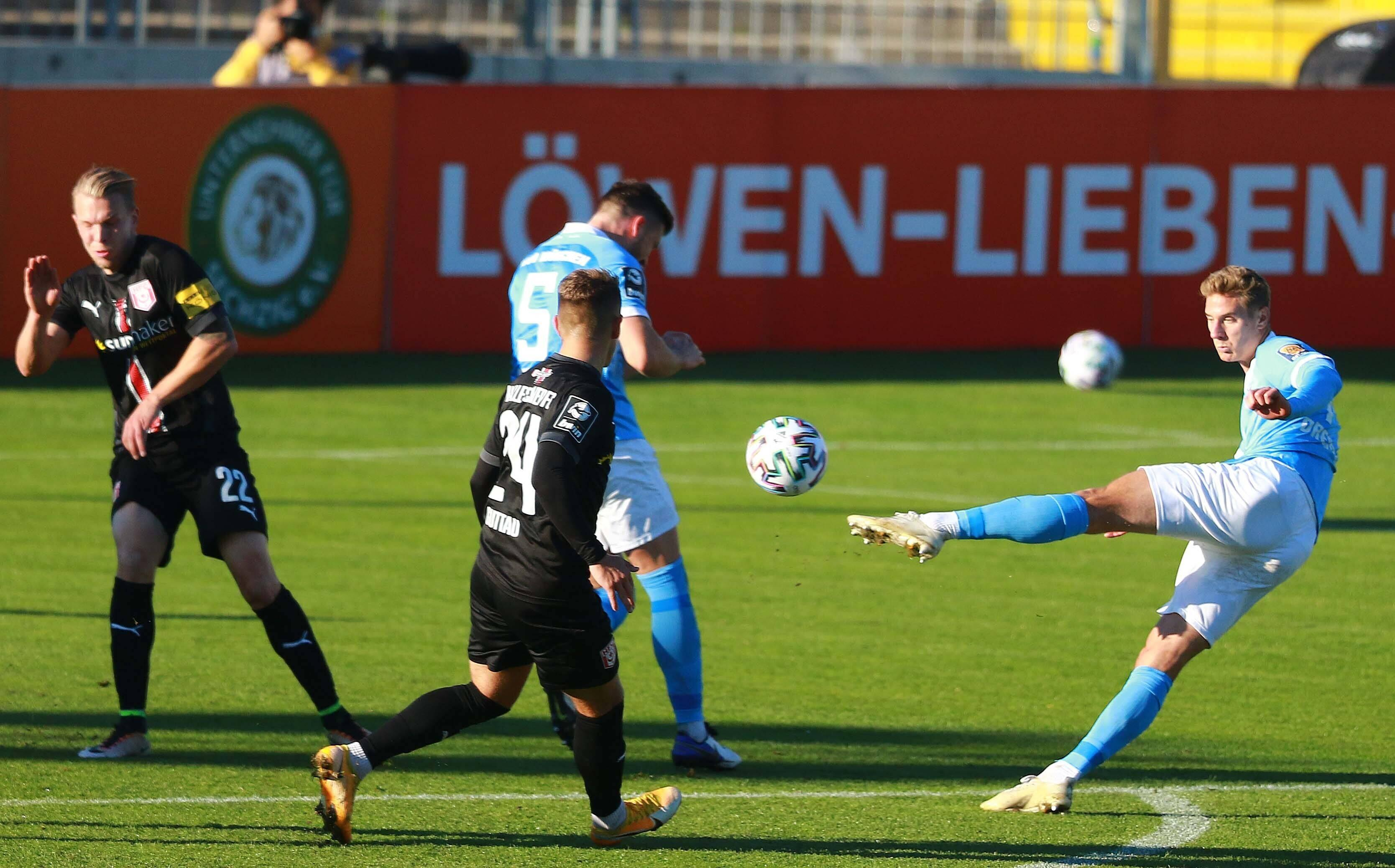 Spielszene TSV 1860 München - Hallescher FC