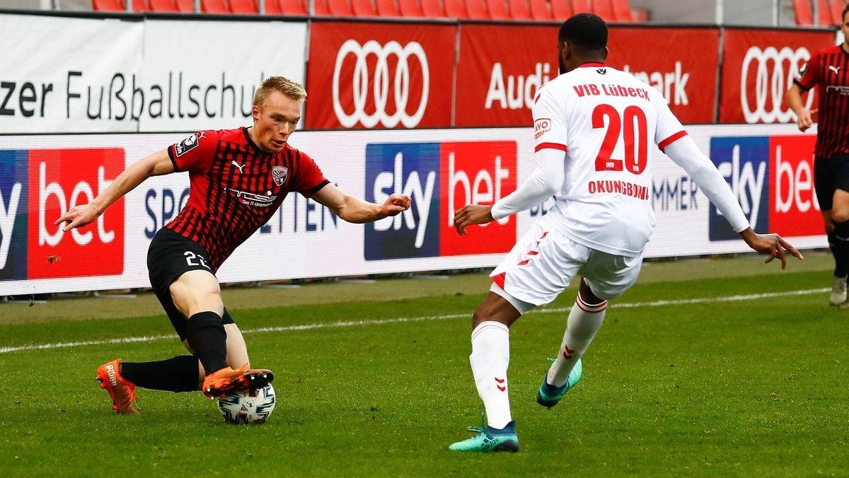 Spielszene FC Ingolstadt - VfB Lübeck