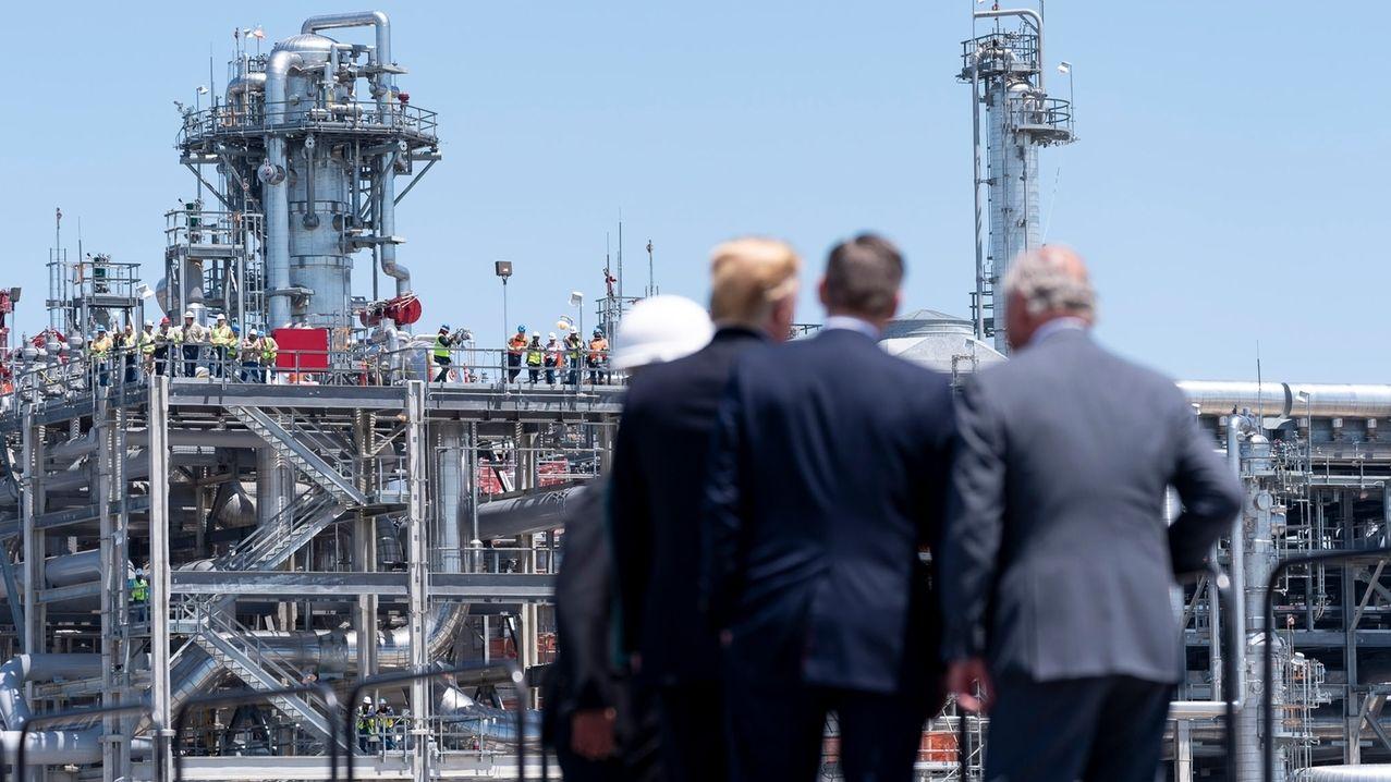 US-Präsident Donald Trump besucht ein LNG-Terminal an der Golfküste.