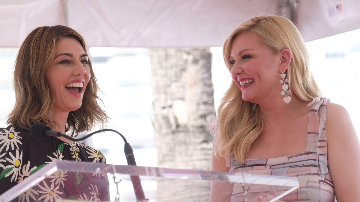 """Regisseurin Sofia Coppola ist dabei, als Schauspielerin Kirsten Dunst einen Hollywood-Stern auf dem """"Walk of Fame"""" verliehen bekommt."""