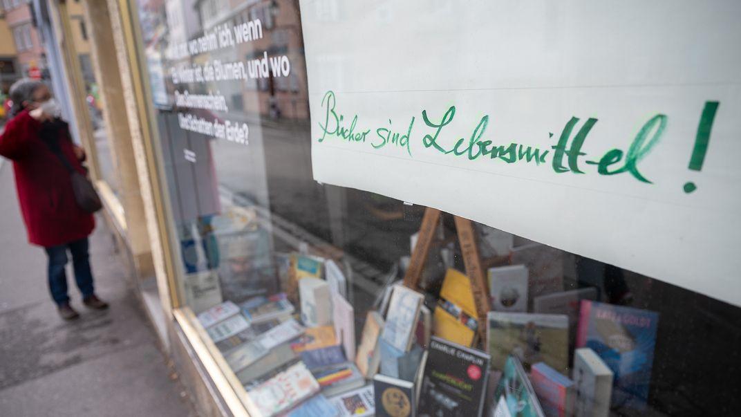 Geschlossener Buchladen während der Corona-Pandemie