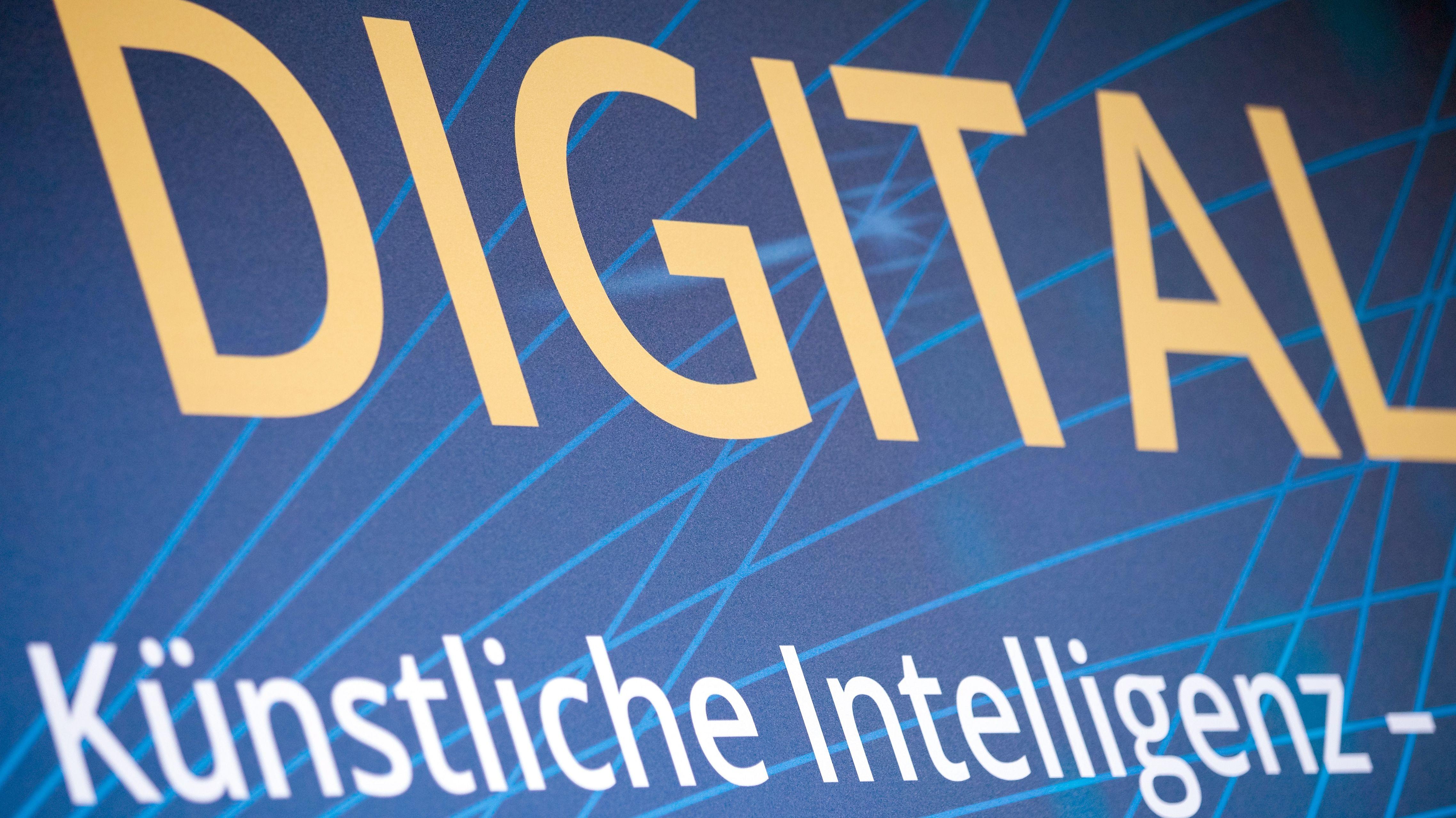 """Schriftzug """"Digital"""""""