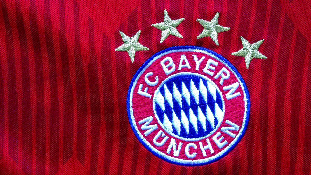 Vier Meistersterne auf dem Bayern-Trikot