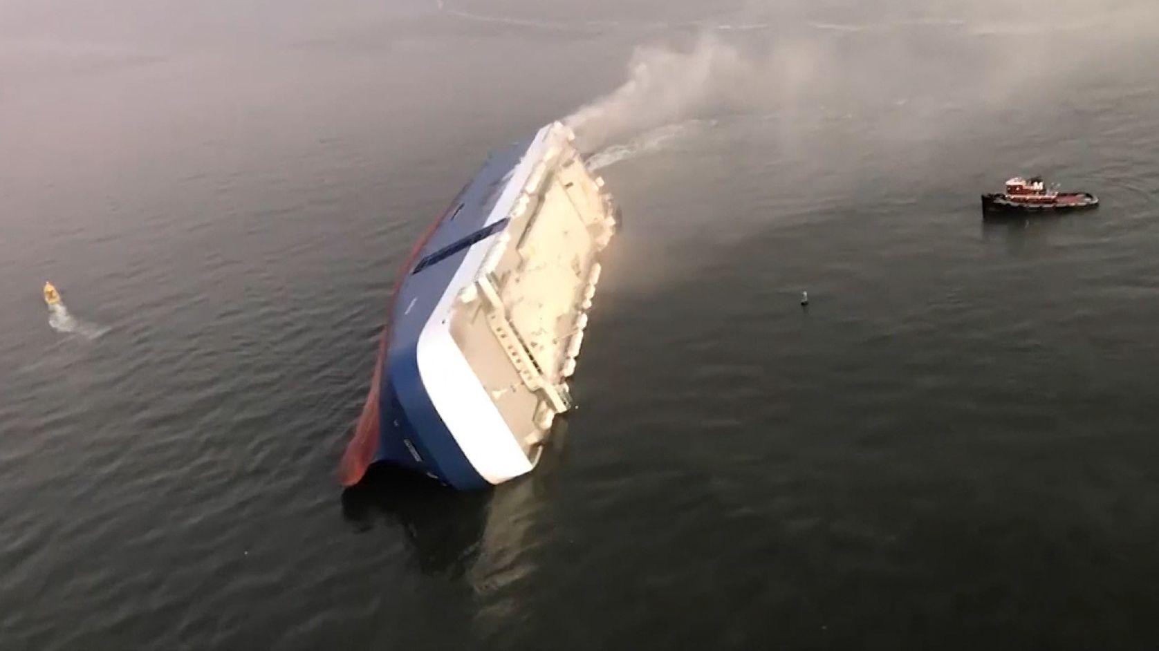 Gekentertes Schiff vor der Küste von Georgia