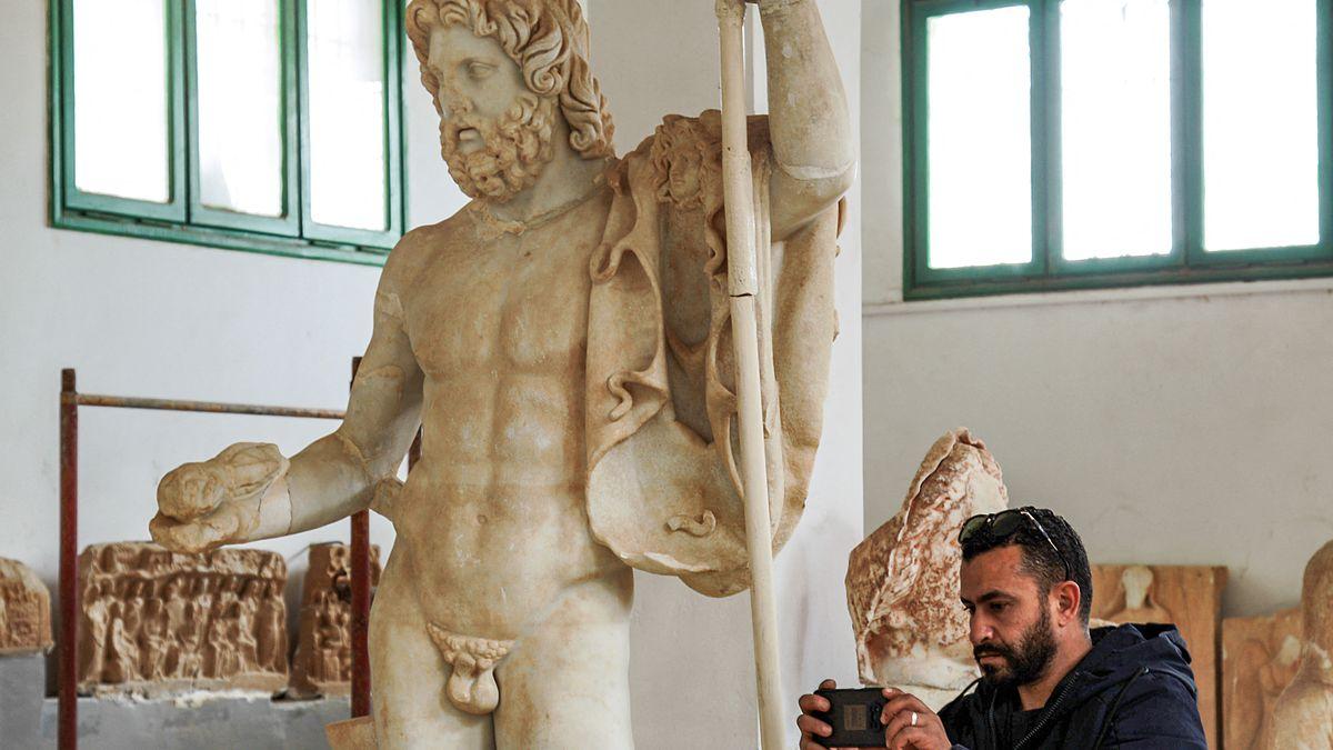Litt angesichts seiner zahlreichen Liebschaften wohl eher nicht an Erektionsstörungen: der griechische Gott Zeus (römisch: Jupiter).
