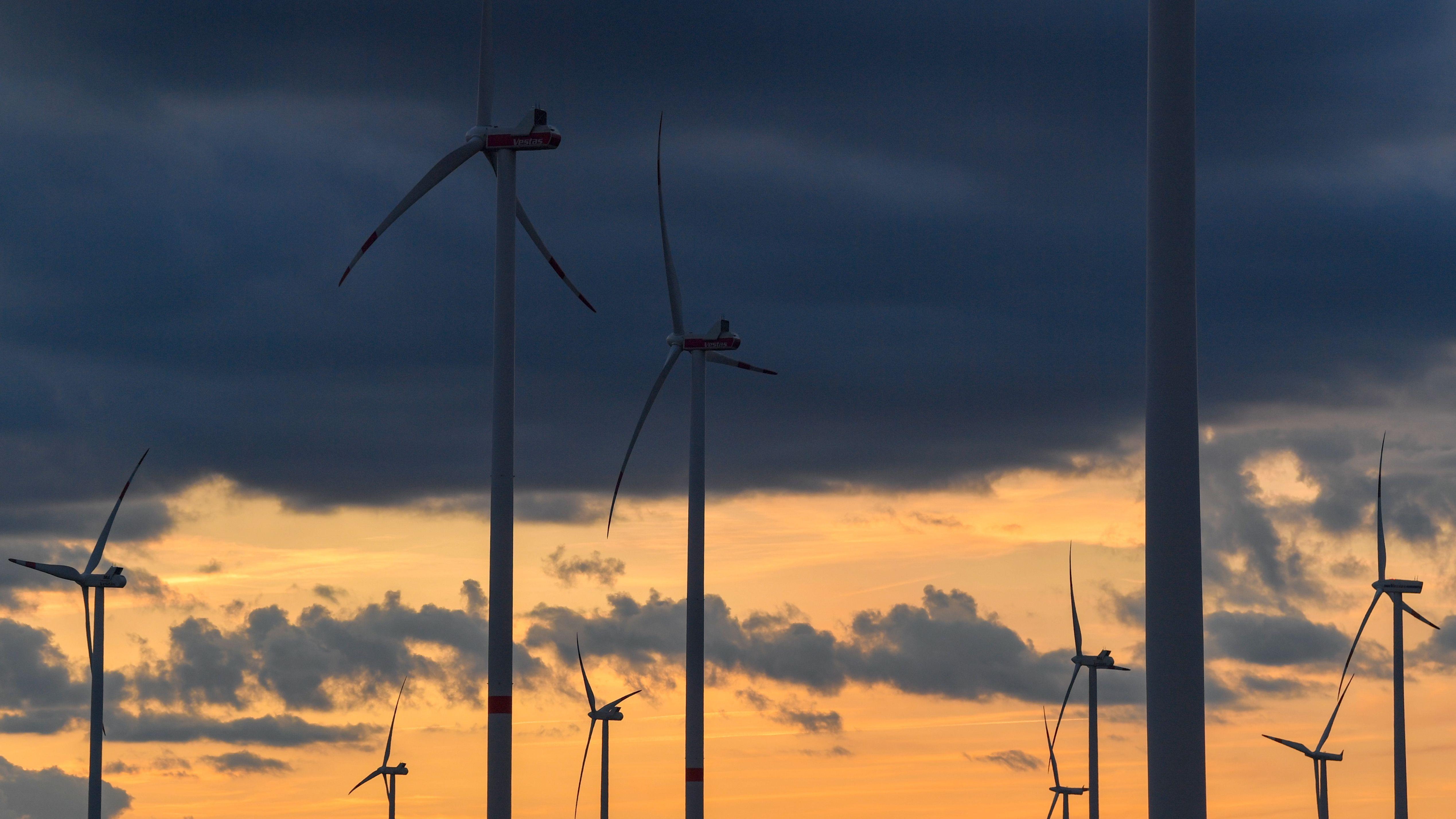 Die erneute Drohpost gegen die Hauzenberger Bürgermeisterin enthält auch dieses Mal wieder einen Zusammenhang zum geplanten Windpark