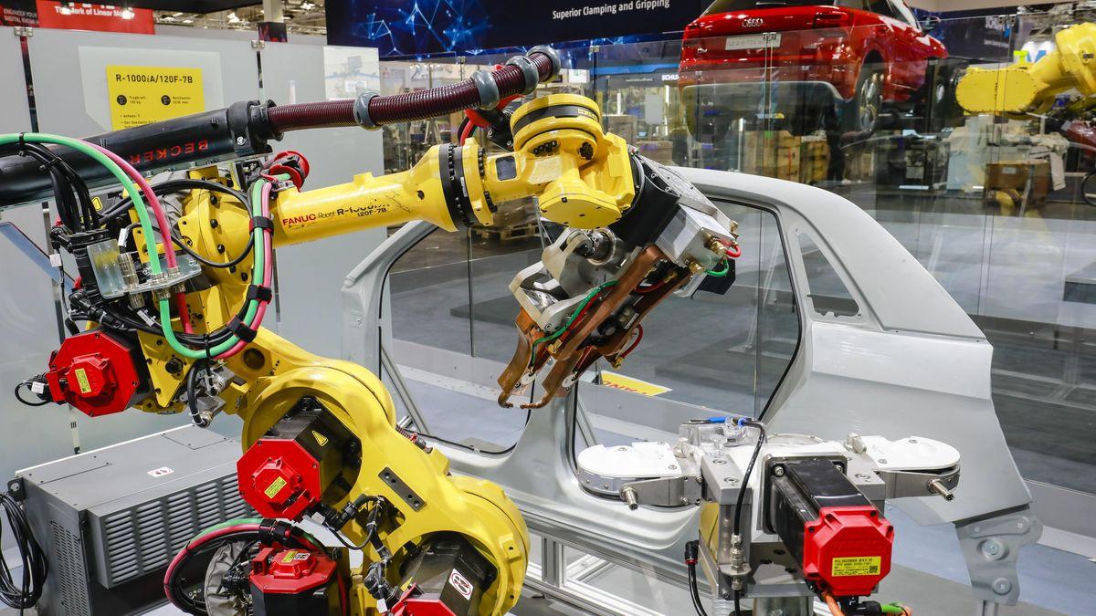 Produktionsroboter in der Automobilindustrie