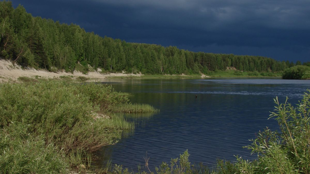 Das rechte Ufer des Flusses Ischma