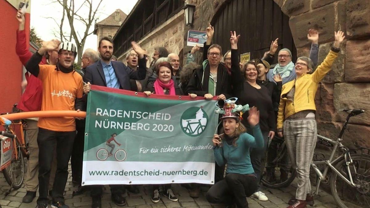 Unterstützer des Radentscheid Nürnberg (Archiv, Februar 2020)