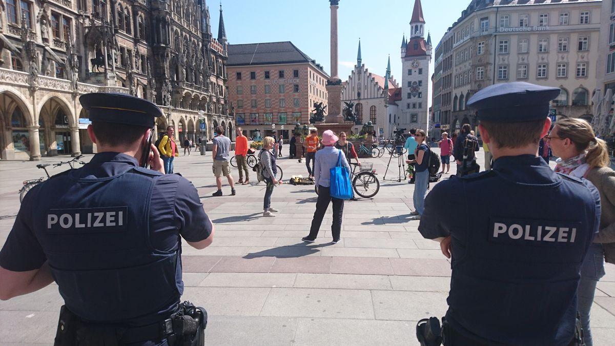 ödp-Demo für Grundrechte am 17.04.2020 auf dem Marienplatz in München.