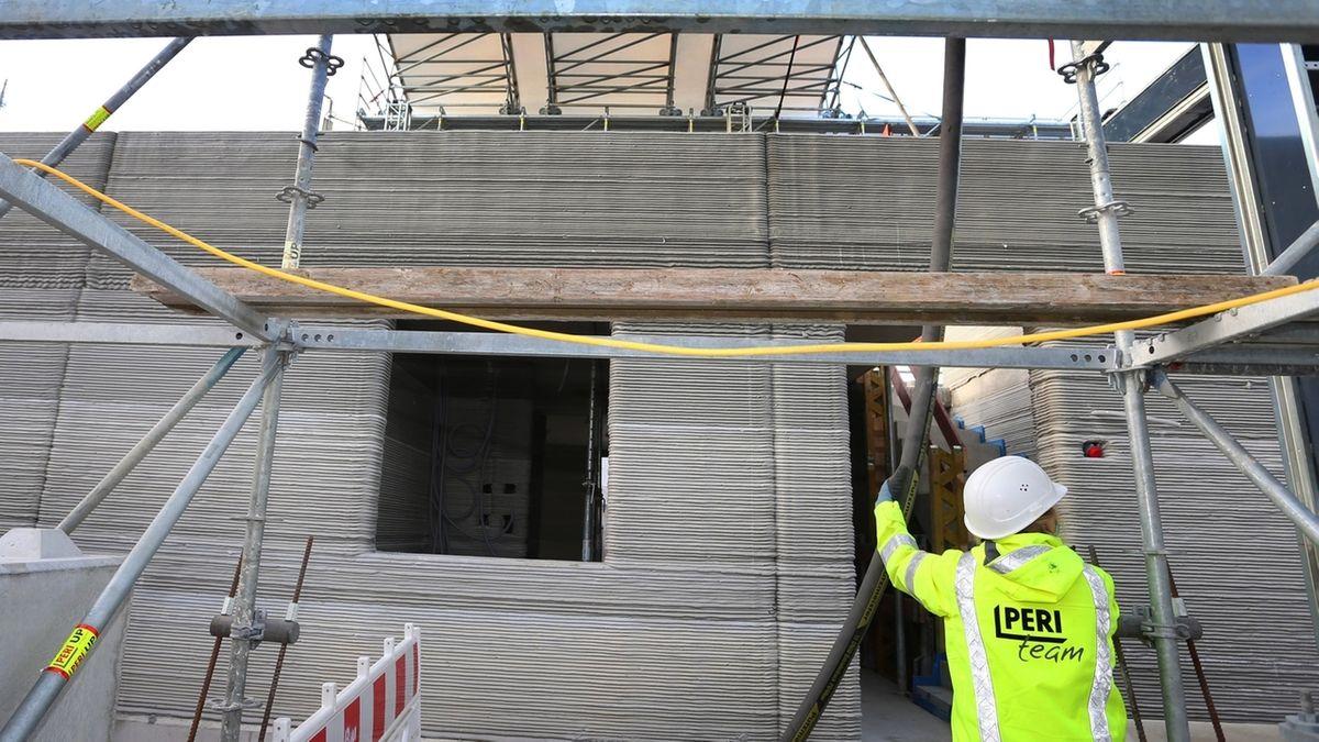 Mehrfamilienhaus entsteht aus Betonfertigteilen