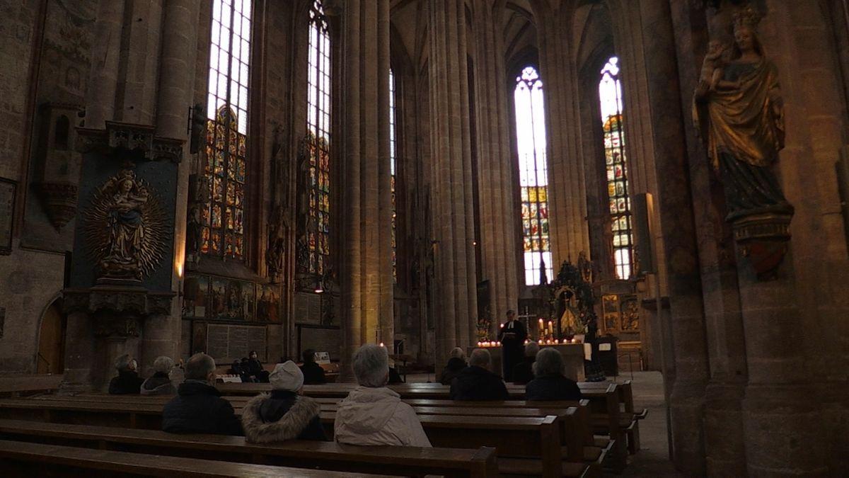 Schweigeminute: Nürnberg erinnert an die Corona-Toten