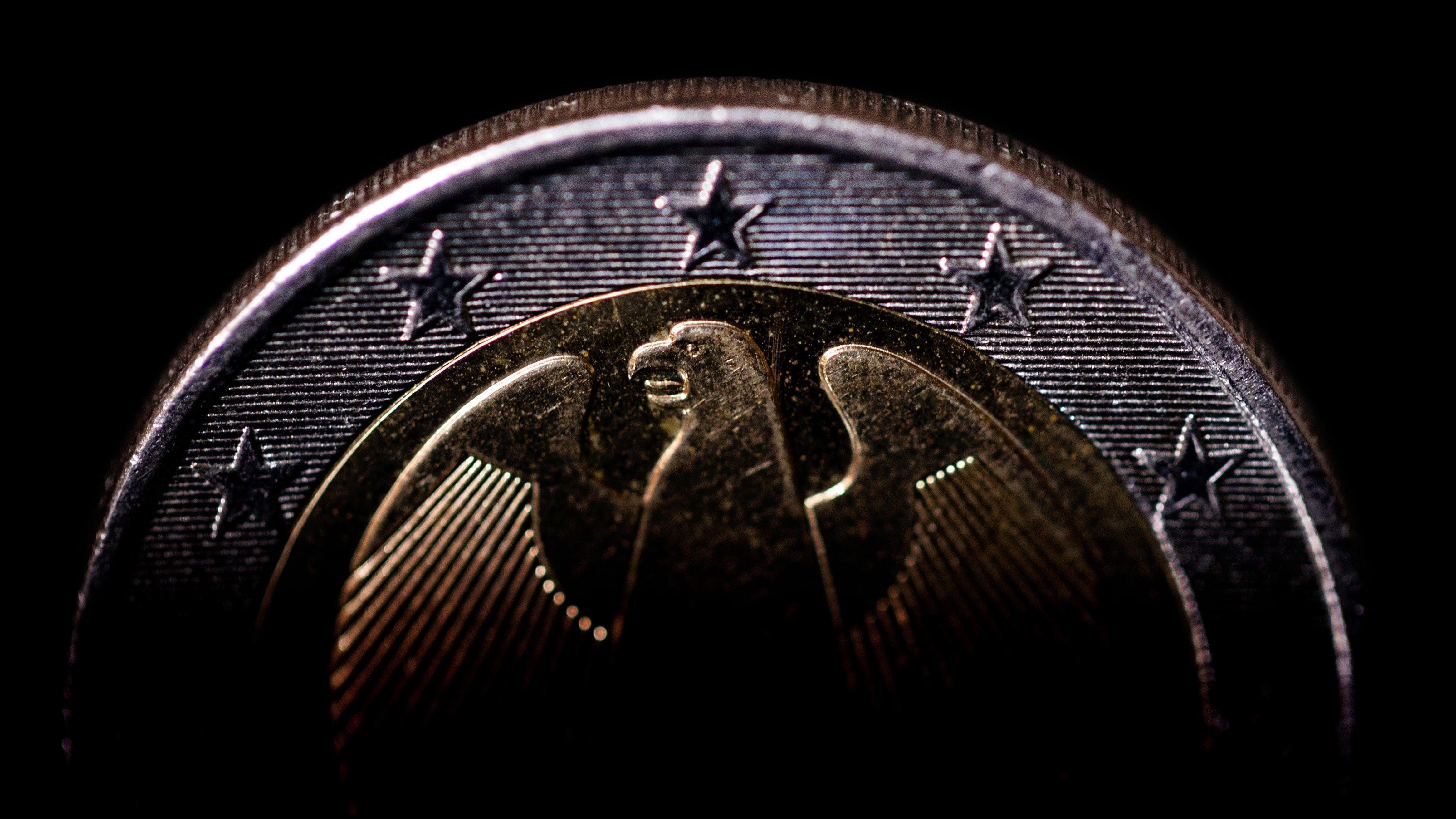 Symbolbild: Zwei-Euro-Münze