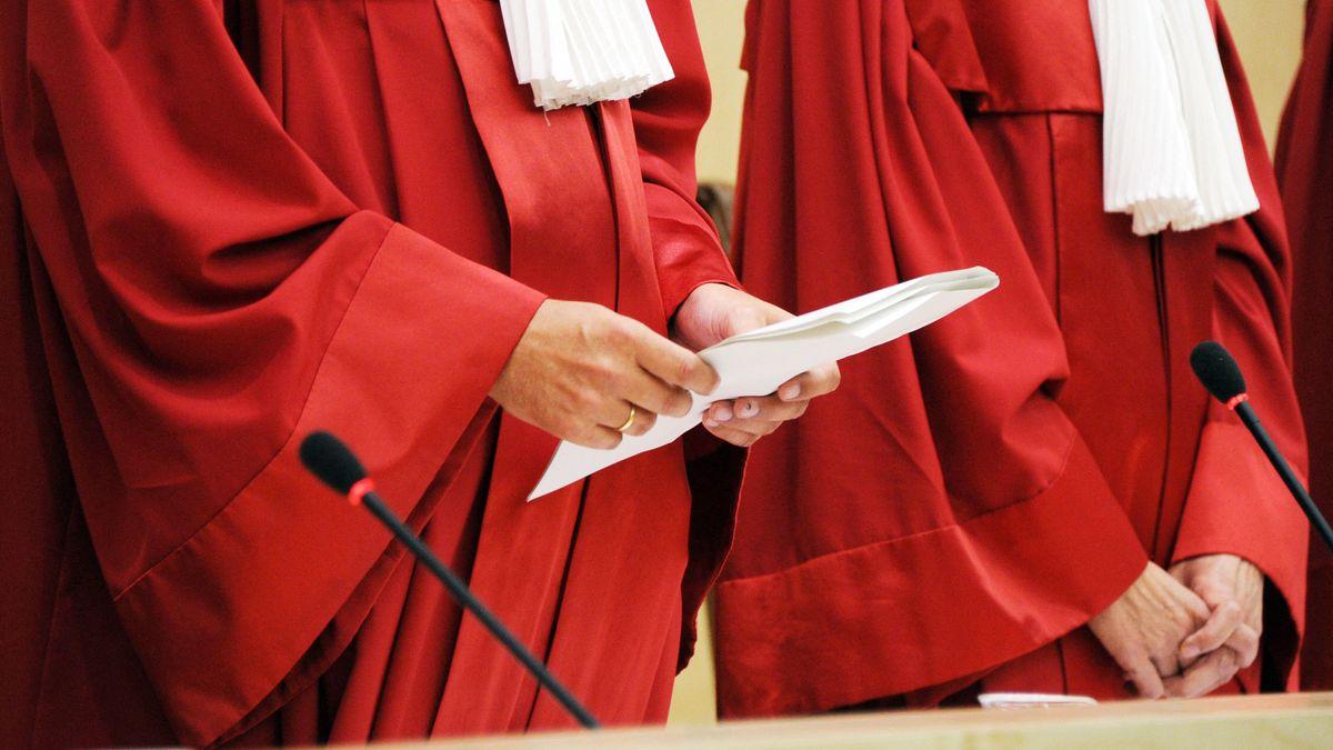 Die Richter des Bundesverfassungsgerichts bei der Urteilsverkündung