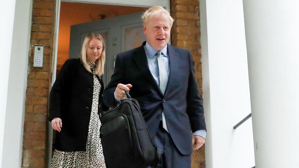 Boris Johnson, ehemaliger Außenminister von Großbritannien, am Donnerstag beim Verlassen seines Hauses in London.