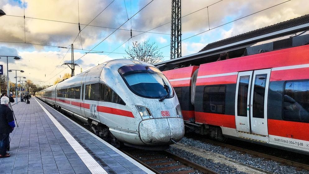 Bahn einigt sich mit EVG (Symbolbild) | Bild:BR / Klingele