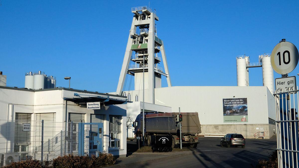 Ein Förderturm der GTS Grube Teutschenthal GmbH