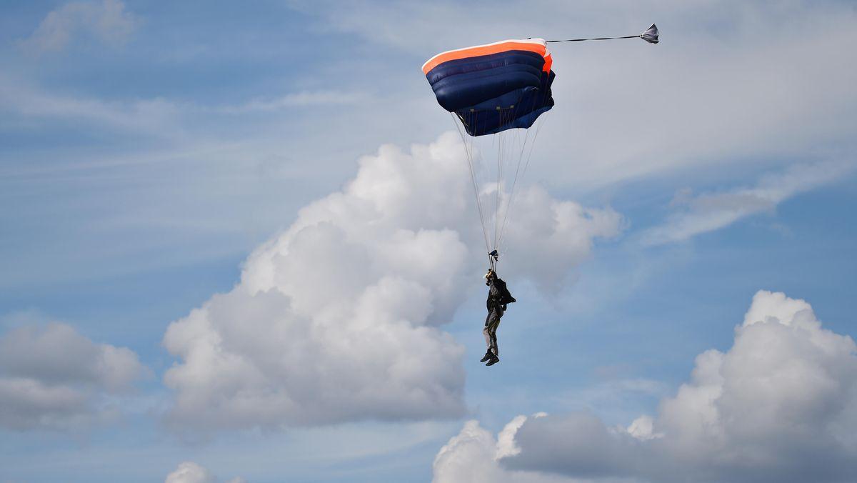 Fallschirmspringer (Symbolfoto)