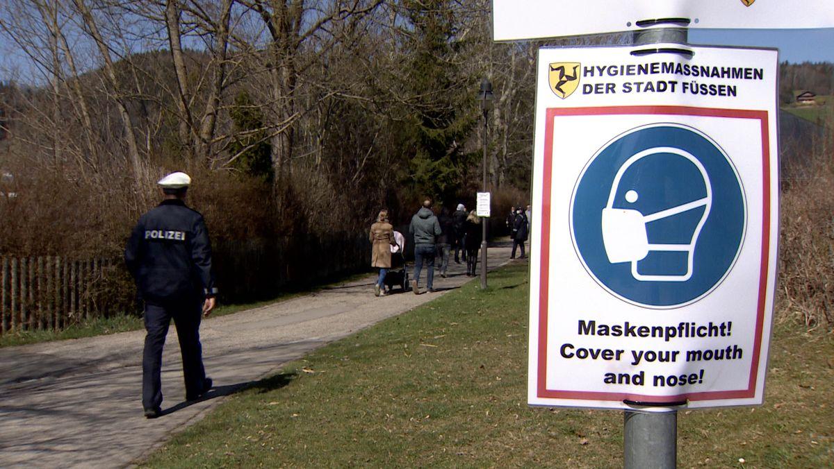 Auch im Freien gilt an vielen Orten Maskenpflicht