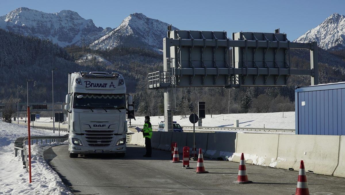 Trotz scharfer Einreisekontrollen: Keine Staus am Grenztunnel Füssen
