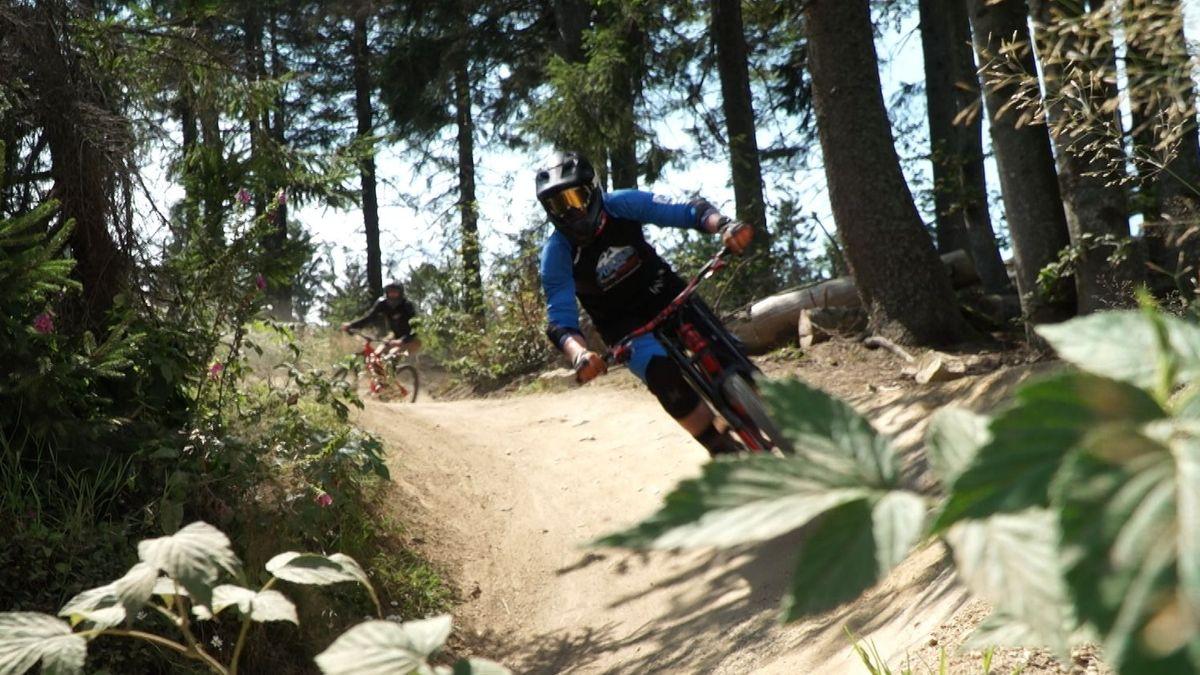 Rasant bergab geht es auf dem Downhill-Trail am Geißkopf