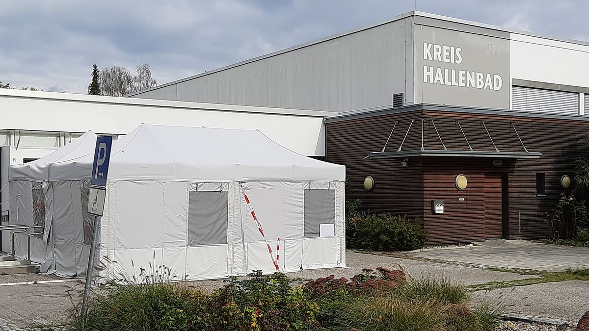 Corona-Testzentrum des Landkreises Altötting im Kreishallenbad Neuötting