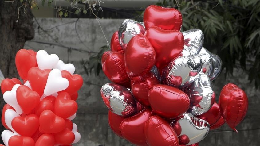 Herz-Valentins-Luftballons (Symbolbild)