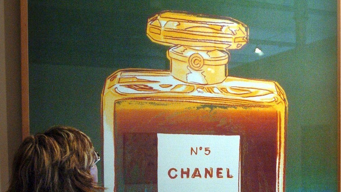 Ausstellungsplakt - Chanel No5 Werbung von Andy Warhol