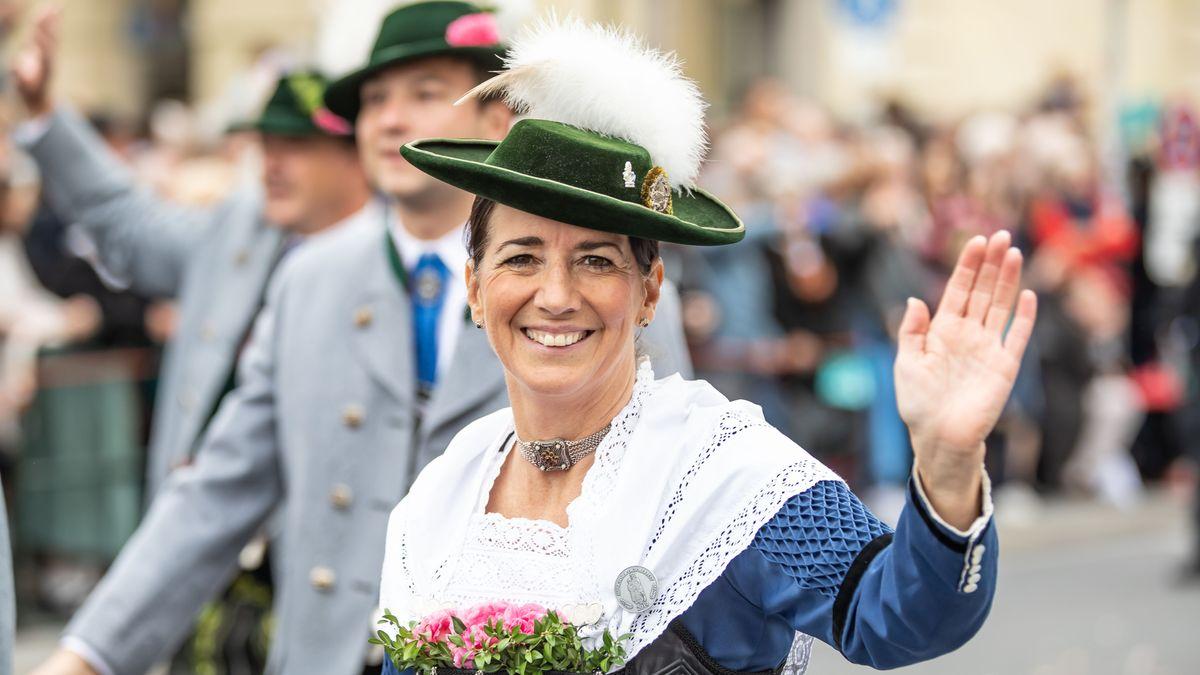 Impressionen vom Trachten- und Schützenzug 2019.