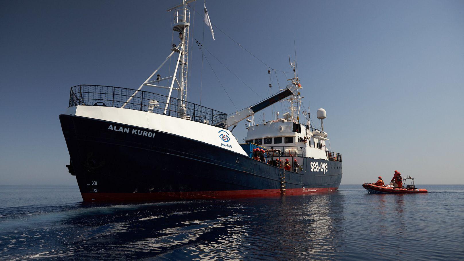 """Das Seenotrettungsschiff Alan Kurdi"""" auf dem Meer"""