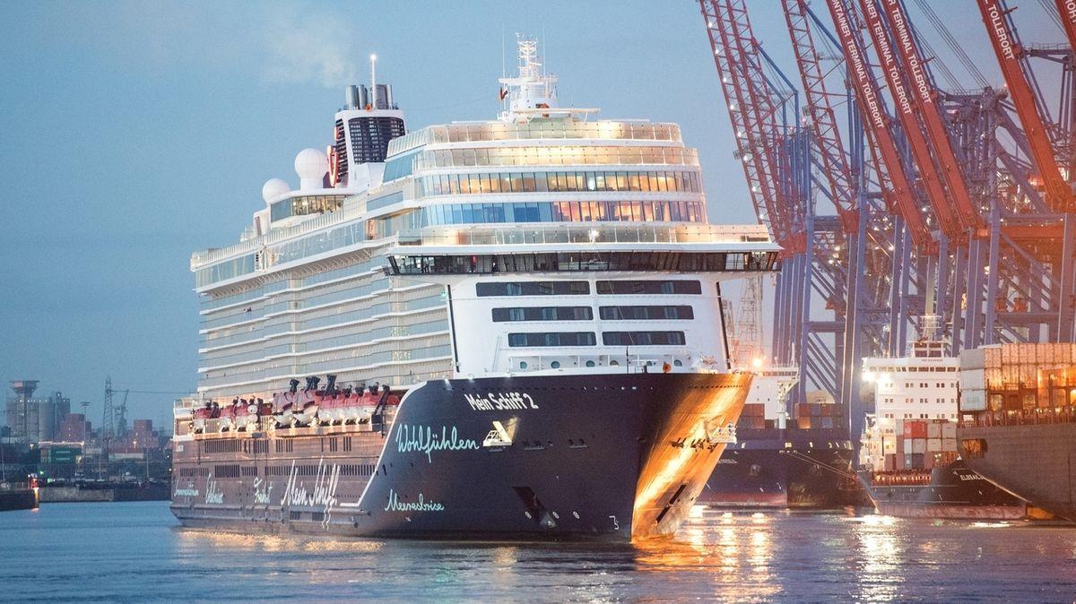 Kreuzfahrtschiff zurück in Hamburg